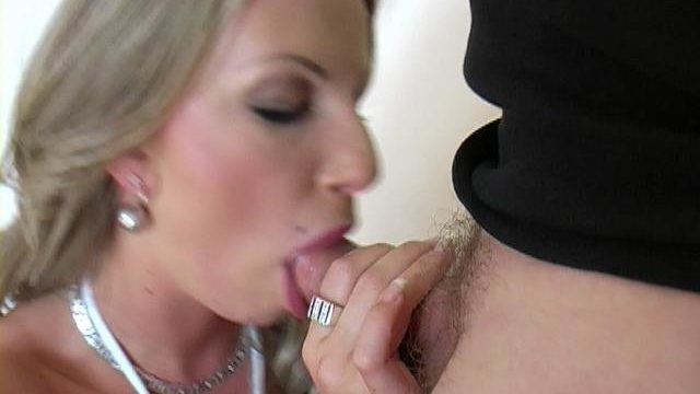 Superb Blonde Harlot Francesca Felucci Giving Blowjob For Contemporary Cum
