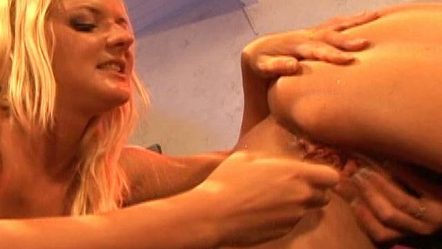 Barbara Summer Time And Crissy Cums Lick Every Different's Vulva