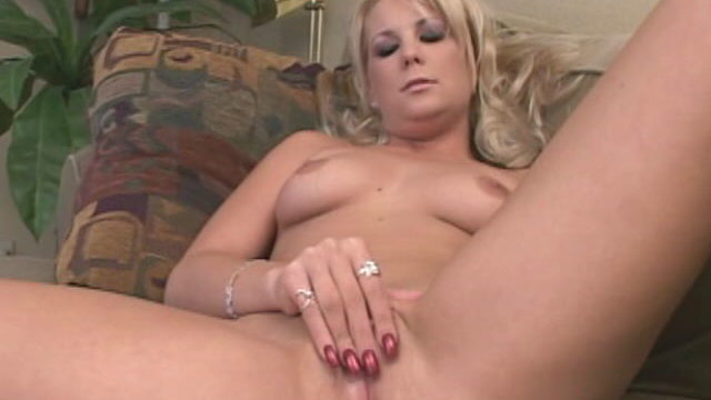 Elegant Blonde Temptress Elizabeth Del Mar Spreading Legs And Rubbing Her Candy Pink Muffin