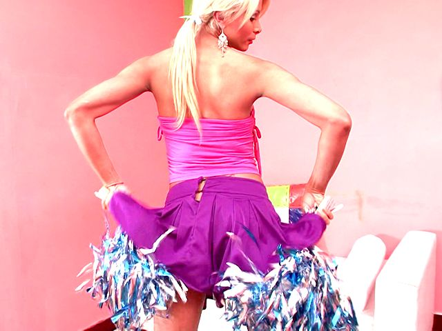 Fleshy Ash-blonde Transgender Princess Cheerleader Itiel Dancing And Displaying Body Upskirt