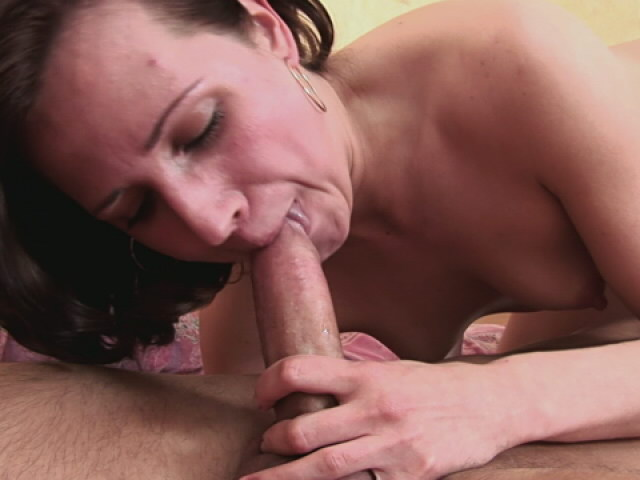Auburn Haired Nubile Minx Fellating An Meaty Phallus With Enthusiasm