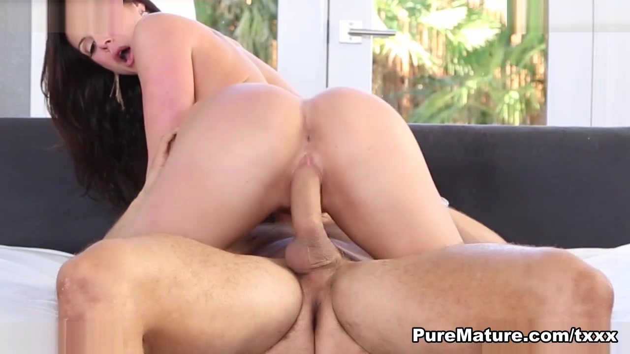 Anna Bell Eclairs In A Naked Excitement – Puremature