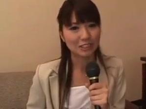 Journalistes Japonaises Masturbeees  Godees Et Baisees