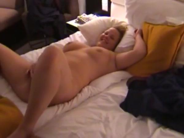 Super-sexy Sara Fellating Swedish Meatpipe