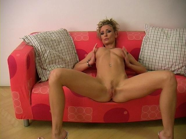 Slender Ash-blonde Adult Movie Star Lucycat Opens Up Lengthy Gams And Displays Her Pinkish Cunt