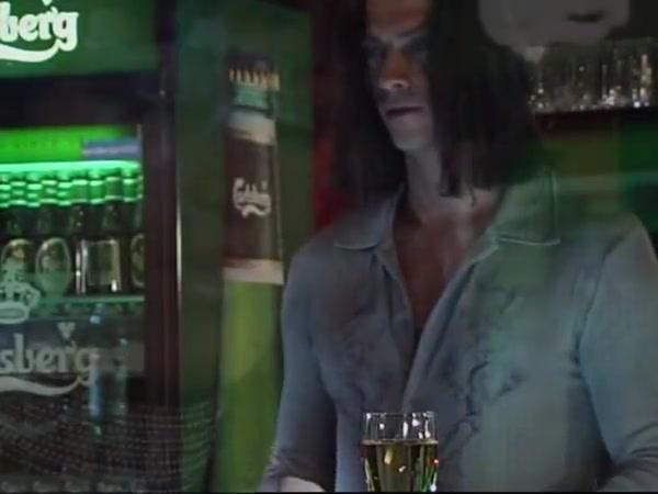 Susana De Garcia – Smash The Barman