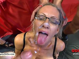 Yankee Mother Emma Starr First-ever German Mass Ejaculation