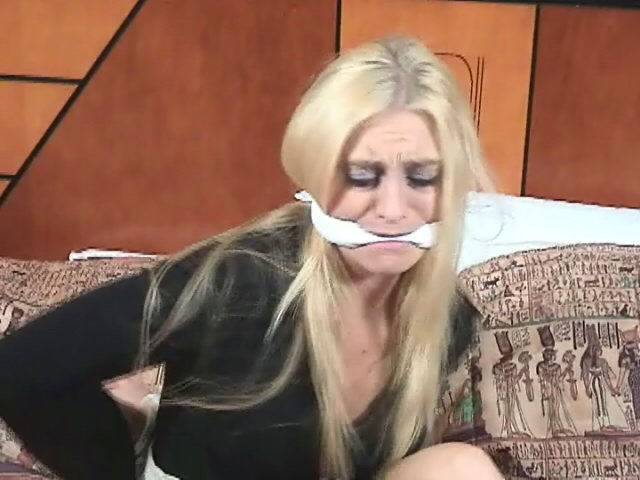Platinum Blondie Nymph Keli Anderson Getting Strapped Up At The Motel Apartment