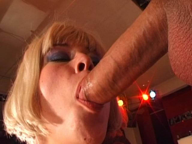 Excellent Blondie Czech Stunner Licking An Massive Meatpipe