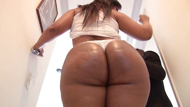 Steaming Mind-blowing Immense Bootied Latina Santana
